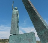 Statue of the Pythagoras at the harbour