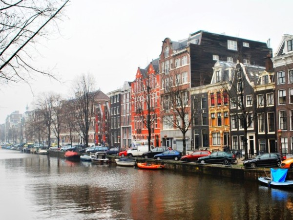 Things to Do in Amsterdam – The City With Red Light District and Legal Coffeeshops