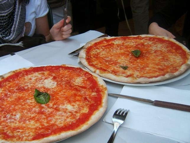 Ode to pizza (Rome – Italy)