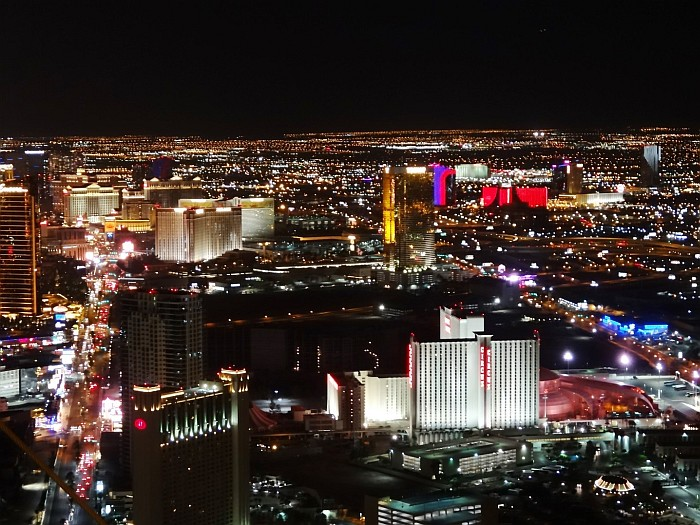One of the best things to do in Las Vegas - observing the famous Strip from above