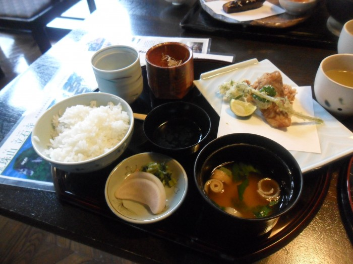 a Lunch Set from the day trip to Niigata Prefecture.