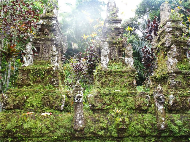 Tamba Waras Temple