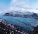 glacier-tongue-of-vatnajokull-glacier-cap