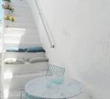 I really adore the white stairs of Greece. Paros