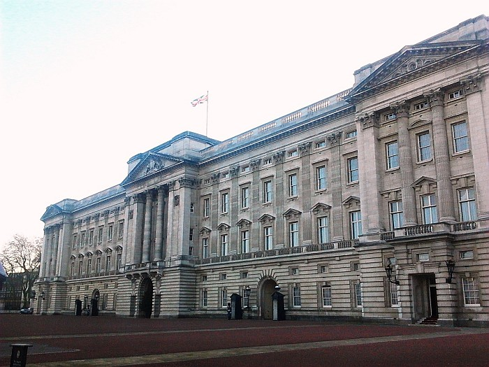 Buckingham Palace London – Visiting the House of The Queen